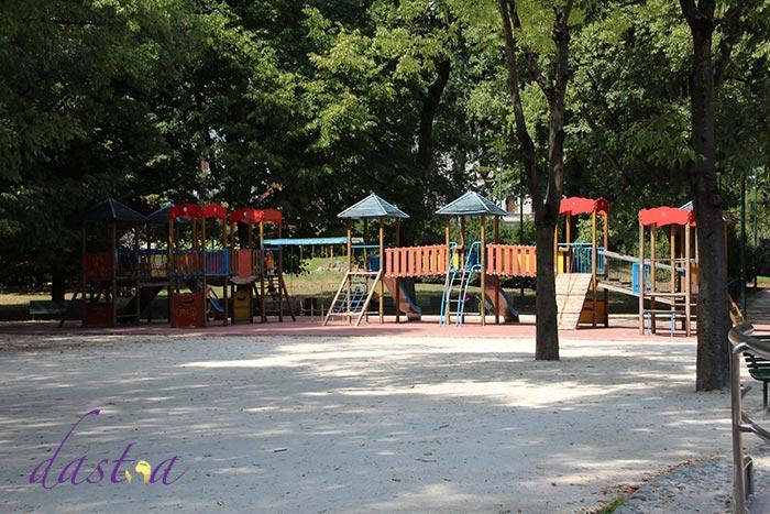 Spielplatz im Park Sempione in Mailand