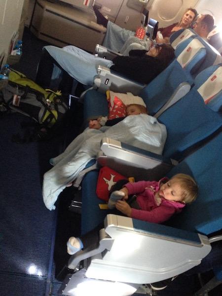 Flugreise mit Kindern in Bildern