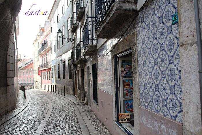 Castelo de São Jorge - Enge Gassen führen hinauf zur Burg