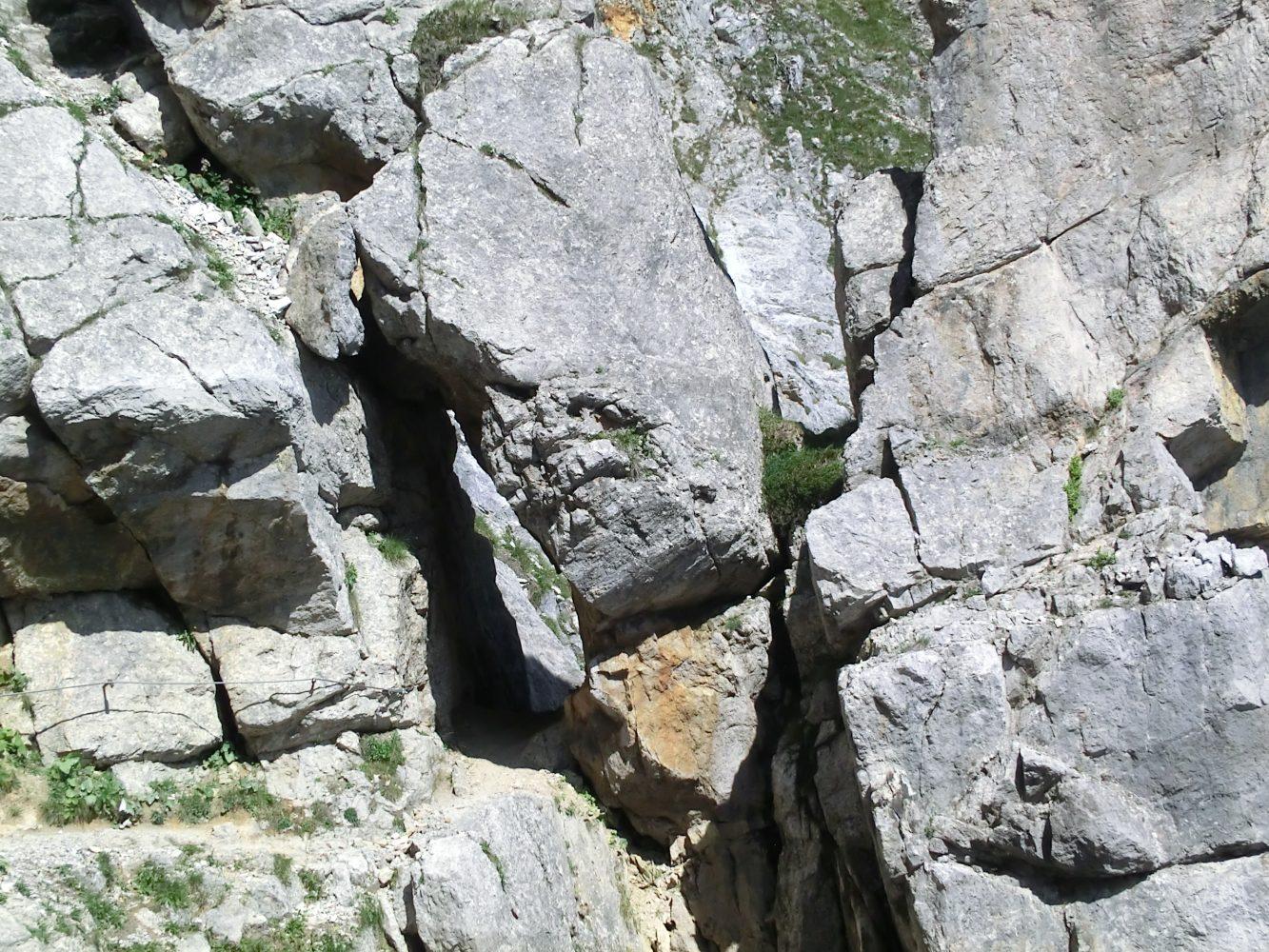 der Fels, die Sonne, der leichte Wind und eine Zeit lang lang eins zu sein mit dem Berg, lassen einen den Alltag komplett vergessen