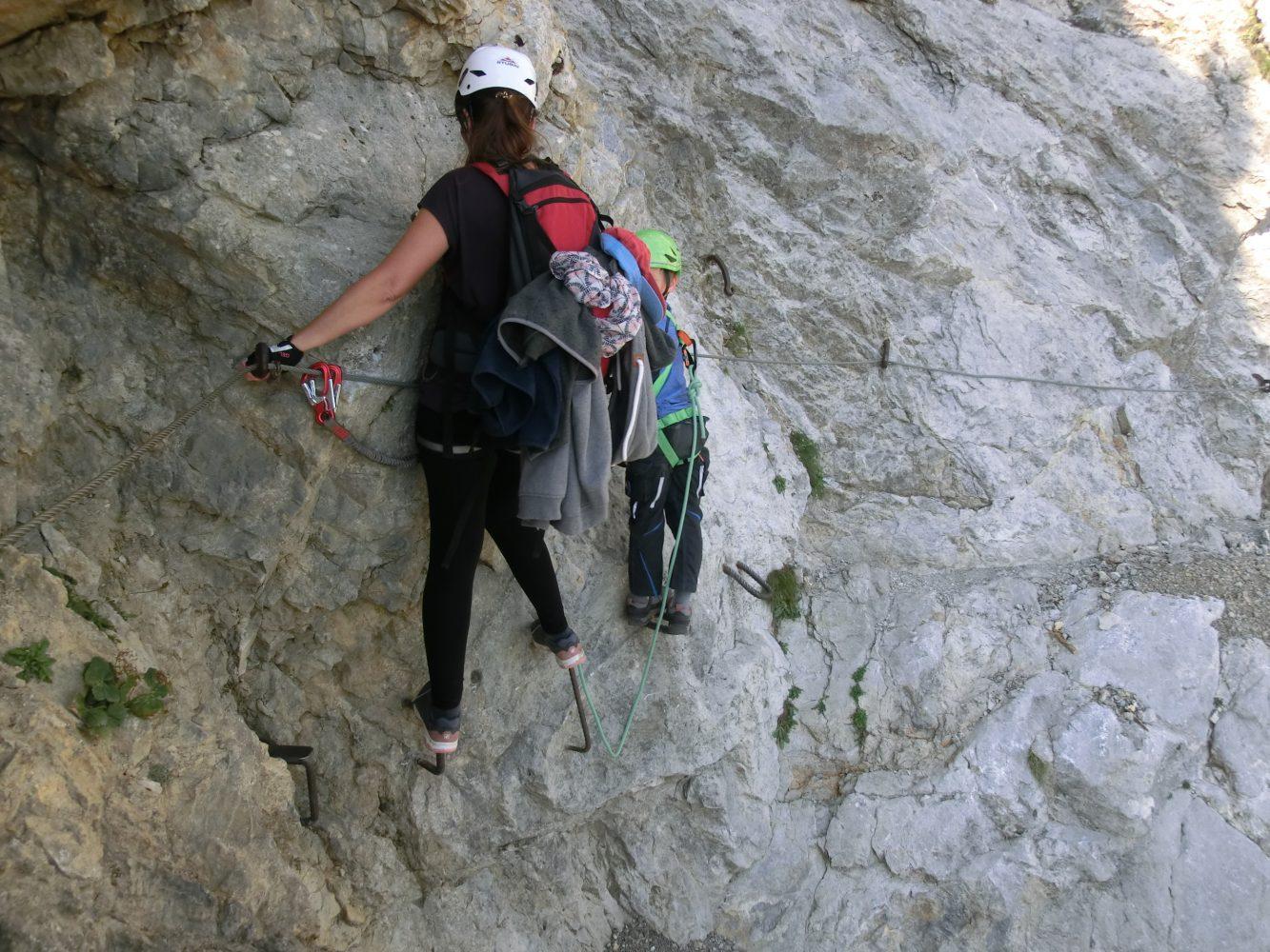 Respekt vor dem Berg und ein wenig Mut bringen die Jungs auch über kribbelige Stellen