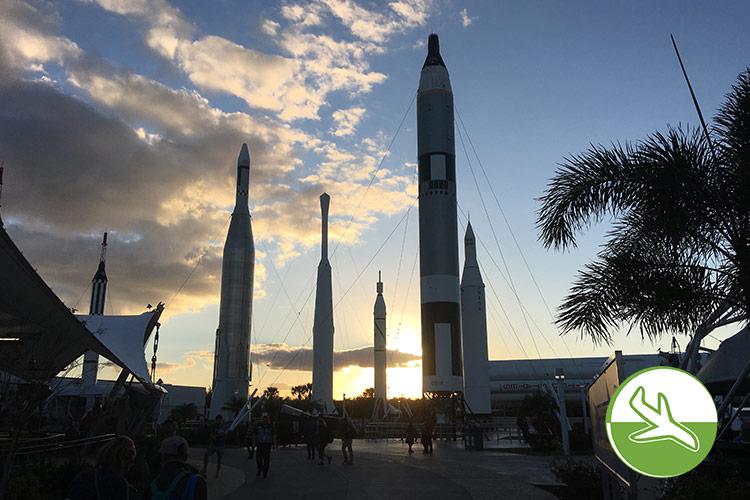 Ein langer Tag im Kennedy Space Center mit Kindern geht zu Ende